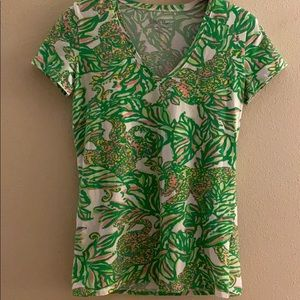 Lily Pulitzer V-neck Tee size small